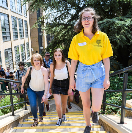 Student leading a Campus Tour group